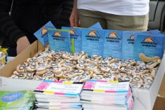 Distribution of promotional materials and informative brochures together with bike-shaped biscuits © Krzysztof Perycz-Szczepanski