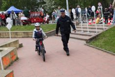 """Cycling town"" for children prepared by the police where each child could improve cycling skills © Krzysztof Perycz-Szczepanski"
